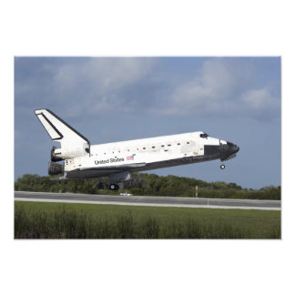 Space shuttle Discovery lands on Runway 33 3 Photo Print