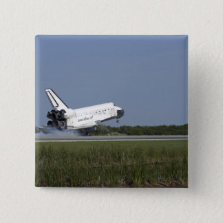 Space shuttle Discovery lands on Runway 33 4 15 Cm Square Badge