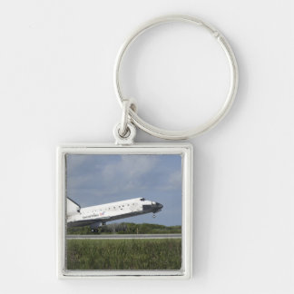 Space shuttle Discovery lands on Runway 33 Key Ring