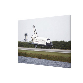 Space Shuttle Discovery on the runway Canvas Print