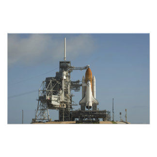 Space Shuttle Discovery sits ready 2 Photo Print