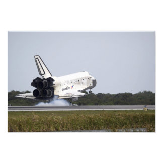 Space Shuttle Discovery touches down 3 Photo Print