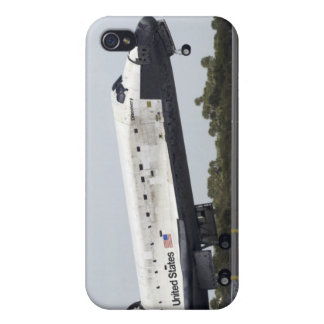 Space Shuttle Discovery touches down Cover For iPhone 4