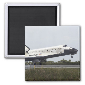 Space Shuttle Discovery touches down Magnet