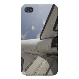 Space Shuttle Endeavour on the launch pad 6 iPhone 4/4S Case