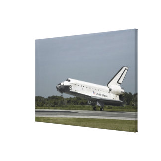 Space Shuttle Endeavour touches down Canvas Print