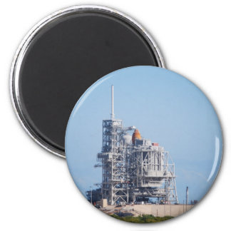 Space Shuttle on Launch Pad 6 Cm Round Magnet
