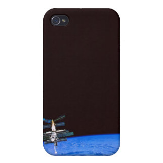Space Station Orbiting Earth 8 iPhone 4/4S Case