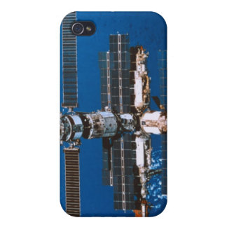 Space Station Orbiting in Space iPhone 4/4S Cases