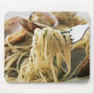 Spaghetti Vongole Bianco Mouse Pad