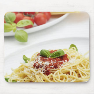 Spaghetti with tomato sauce and basil mouse pad