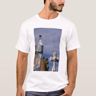 Spain, Catalonia, Barcelona. Casa Batllo (1906). 3 T-Shirt