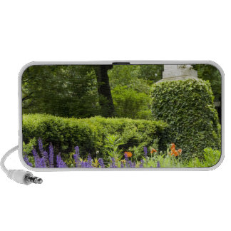Spain, Madrid. Royal Botanic Garden aka Real iPhone Speakers