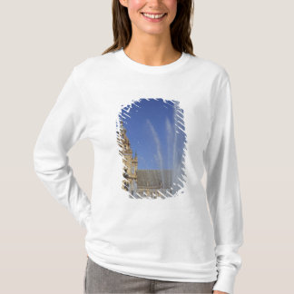 Spain, Sevilla, Andalucia Fountain and ornate T-Shirt