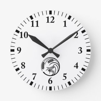 Sparrow in rice-plant circle round clock