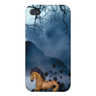 Speck® Fitted™ Hard Shell Case for iPhone 4 horse