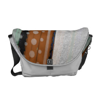 spinning rain courier bag