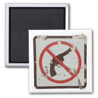 Square magnet with old sign with graphic no guns