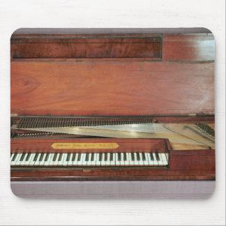 Square piano, 1767 (photo) mouse mat