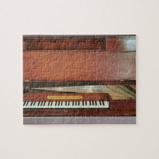 Square piano, 1767 (photo) puzzles