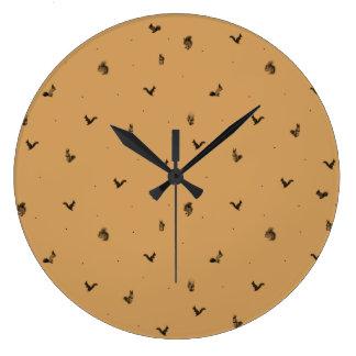 Squirrel pattern clock