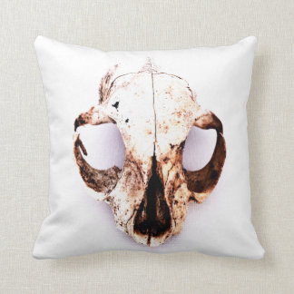 "SQUIRREL SKULL pillow poly 16"" wht no quote"