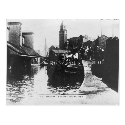 SS Thomas leaving Wigan Pier Post Cards