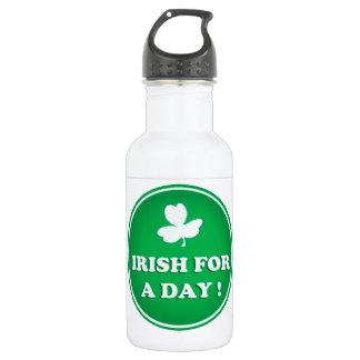 "ST PATRICK  ""IRISH FOR A DAY"" IRISH GREEN SHAMROCK 532 ML WATER BOTTLE"