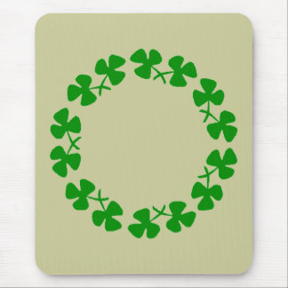St. Patrick's Day Shamrock Ring Kitchen Mousepad