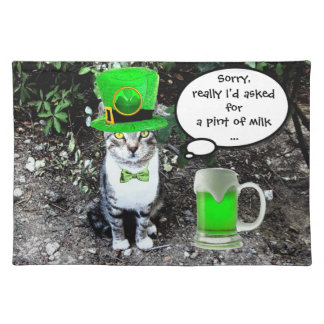 ST PATRICK'S DAY CAT AND GREEN IRISH BEER PLACEMATS