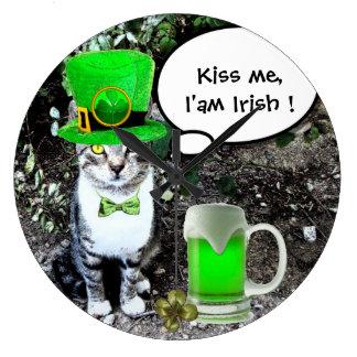ST PATRICK'S DAY CAT WITH GREEN IRISH BEER WALLCLOCKS