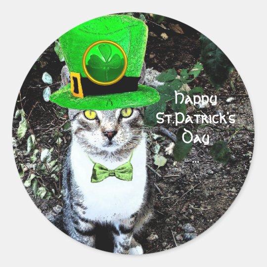 ST PATRICK'S  DAY CAT  WITH LEPRECHAUN HAT CLASSIC ROUND STICKER