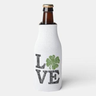 St Patricks Day LOVE with shamrock