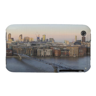 St Pauls Cathedral and City Skyline 2 Case-Mate iPhone 3 Case