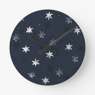 Stamped Star Round Clock