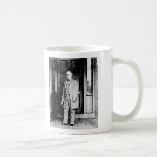 Standing Portrait of General Robert E. Lee Classic White Coffee Mug