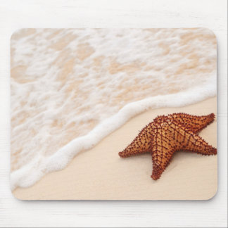 Starfish and ocean wave mouse mat