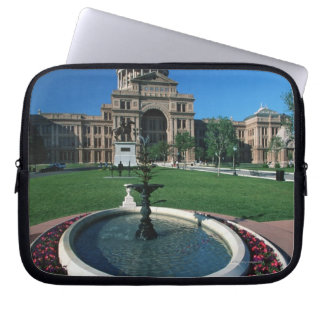 'State Capitol of Texas, Austin' Laptop Computer Sleeves