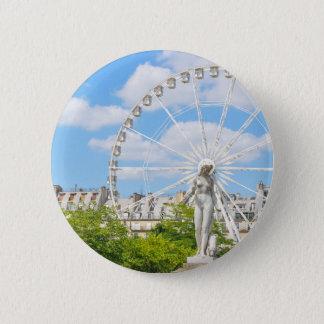 Statue depicting woman in Paris 6 Cm Round Badge