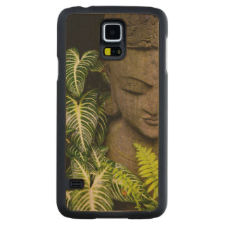 Statue in a Garden: Chiang Mai, Thailand Maple Galaxy S5 Case
