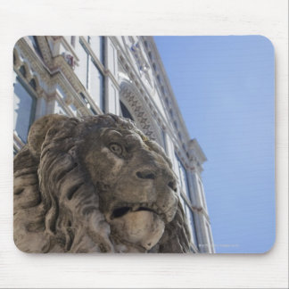 statue of a lion with the facade of Santa Croce Mouse Mat