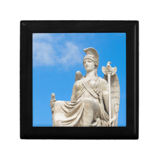 Statue of a queen small square gift box