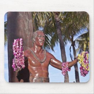 Statue of Duke Paoa Kahinu Mokoe Hulikohola Mouse Pad