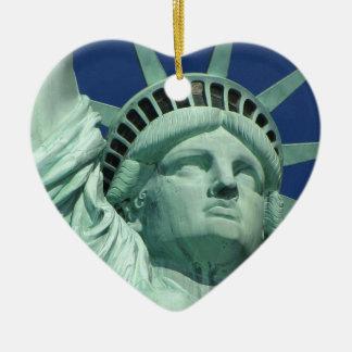 Statue of Liberty 2 Ceramic Heart Decoration