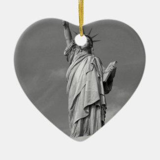 Statue of Liberty 3 Ceramic Heart Decoration