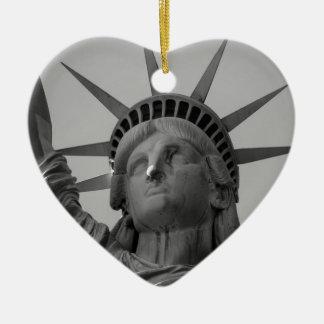 Statue of Liberty 4 Ceramic Heart Decoration