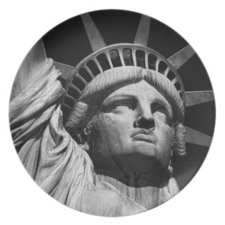 Statue of Liberty 8 Party Plate