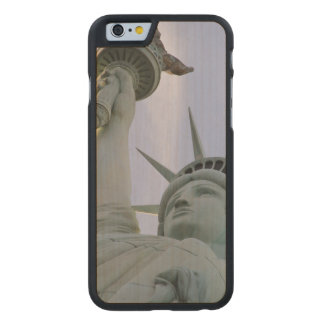 Statue of Liberty Carved® Maple iPhone 6 Slim Case