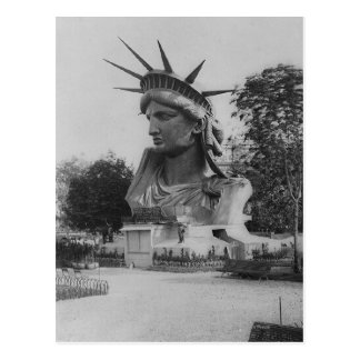 Statue of Liberty Head - Paris Park Postcard