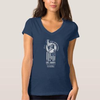 Statue of Liberty holding a Kettlebell T-Shirt